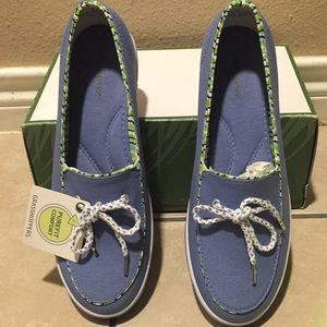Shoes - Grasshopper Women's Slip On's